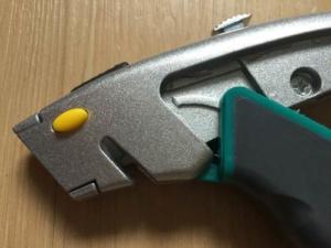 kordelschneider-bei-cuttermesser